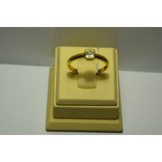 Золотое кольцо с бриллиантом 066