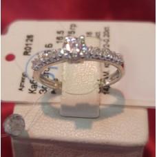 Золотое кольцо с бриллиантами R0126